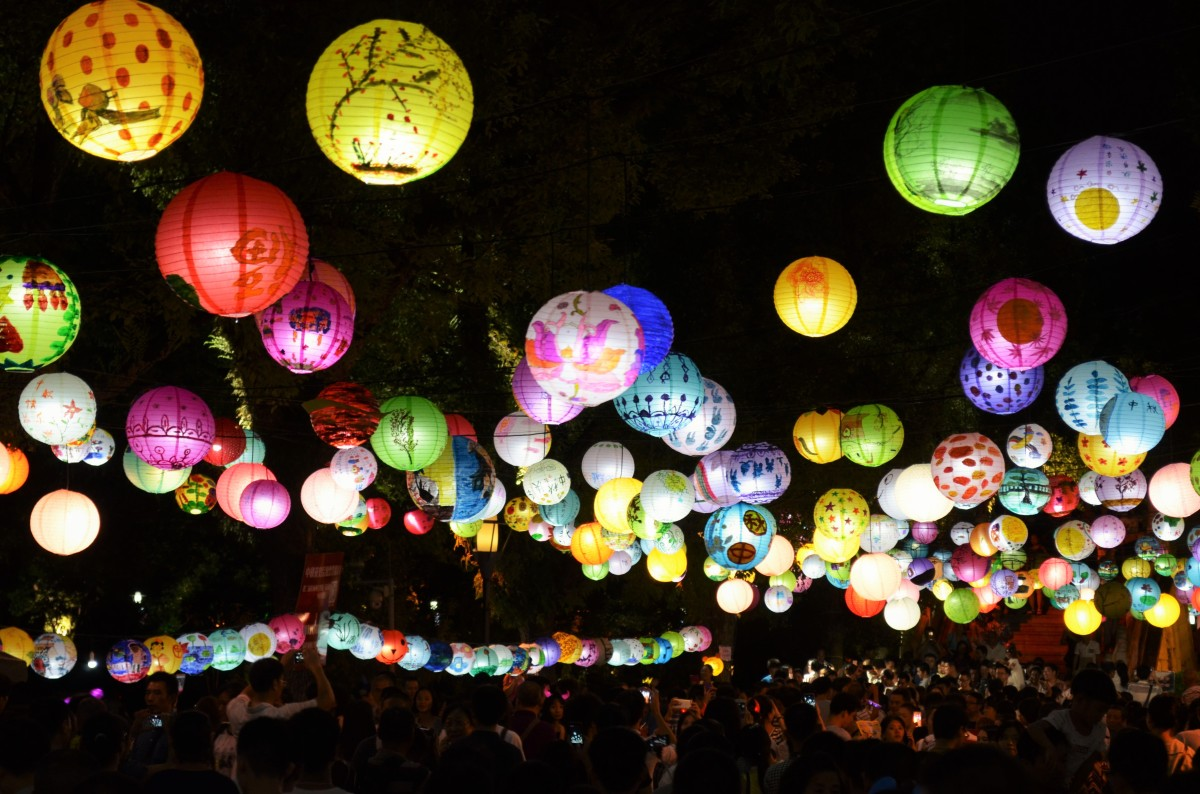 Celebrating Mid-Autumn Festival in Guilin