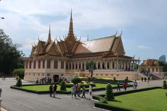 The Throne Hall, with it's vivid yellow tiled roof.